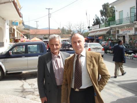 Ο υποψήφιος βουλευτής του ΠΑΣΟΚ κ. Γιώργος Κανελλόπουλος με τον συμπολίτη μας κ. Γιάννη Παπαναστάση